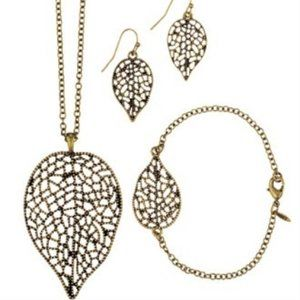 Avon Can't Leaf You Alone 3 piece jewelry set